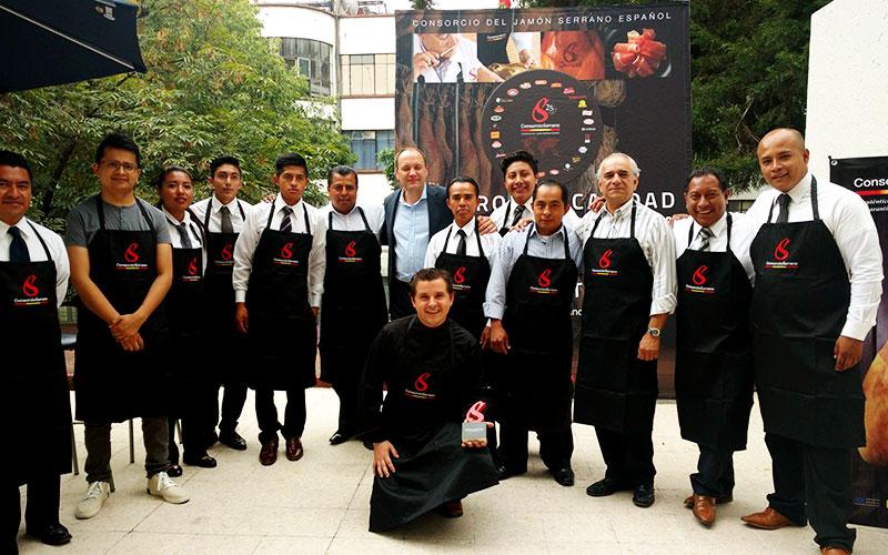 Mexico y Chile, nuevas paradas del plan de promocion del sello de calidad Consorcio Serrano