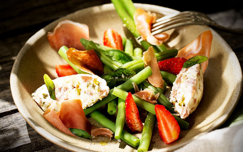 recette nougat de chevre au jambon consorcio serrano et salade de haricots verts
