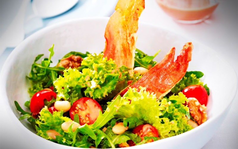 rezepte Blattsalat mit krossen Serrano-Chips
