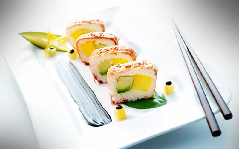 rezepte Sushirrano – Serrano-Sushi mit Mango, Avocado und schwarzer Mayonnaise